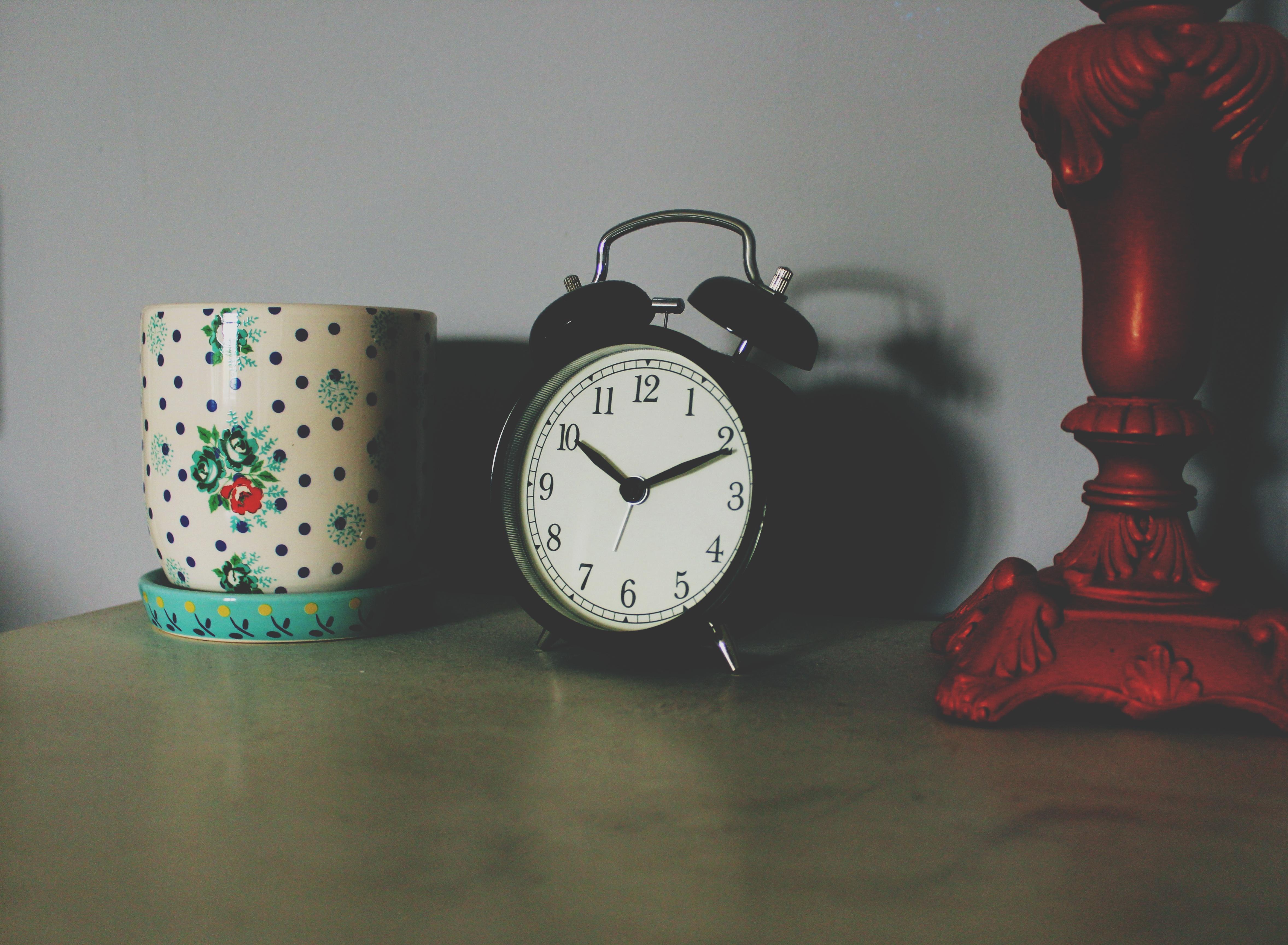 Le Manifeste ULTIME de la gestion du temps : Deviens un vrai GOUROU du temps (PDF offert de mes 7 concepts clés + exercices pratiques)